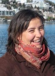 Dr Anja  Slawisch