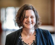 Dr Sara  Owen